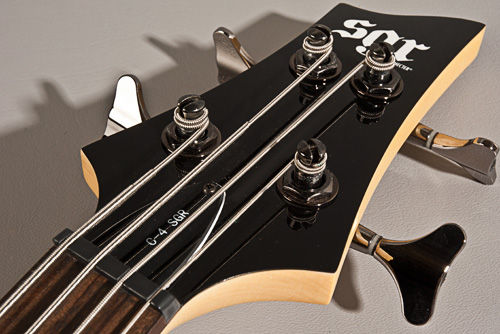 SGR by Schecter C-4 GLOSS RED bas gitara