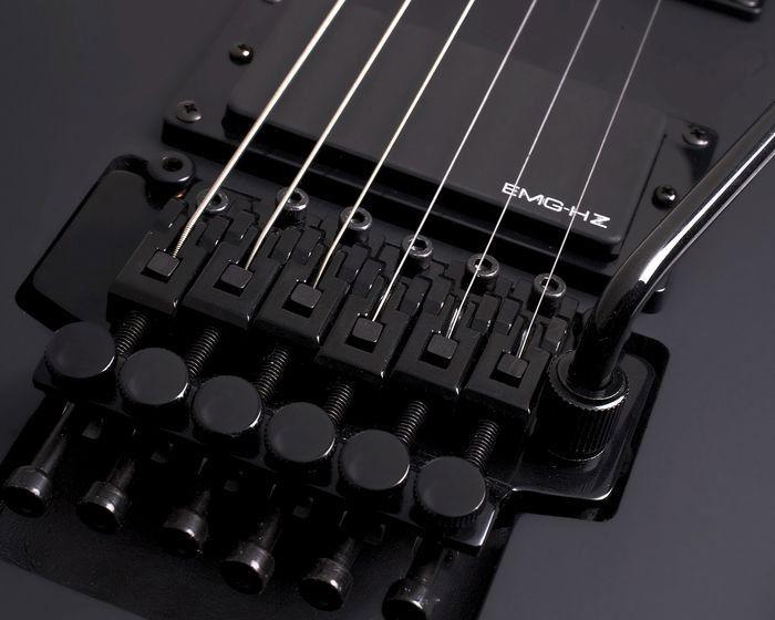 Schecter Damien 6 FR Satin Black električna gitara