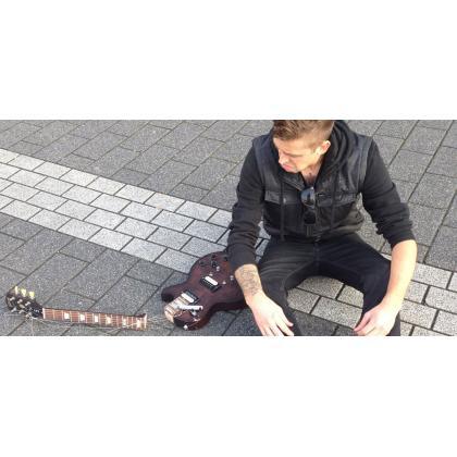5 najpopularnijih stalaka za gitaru